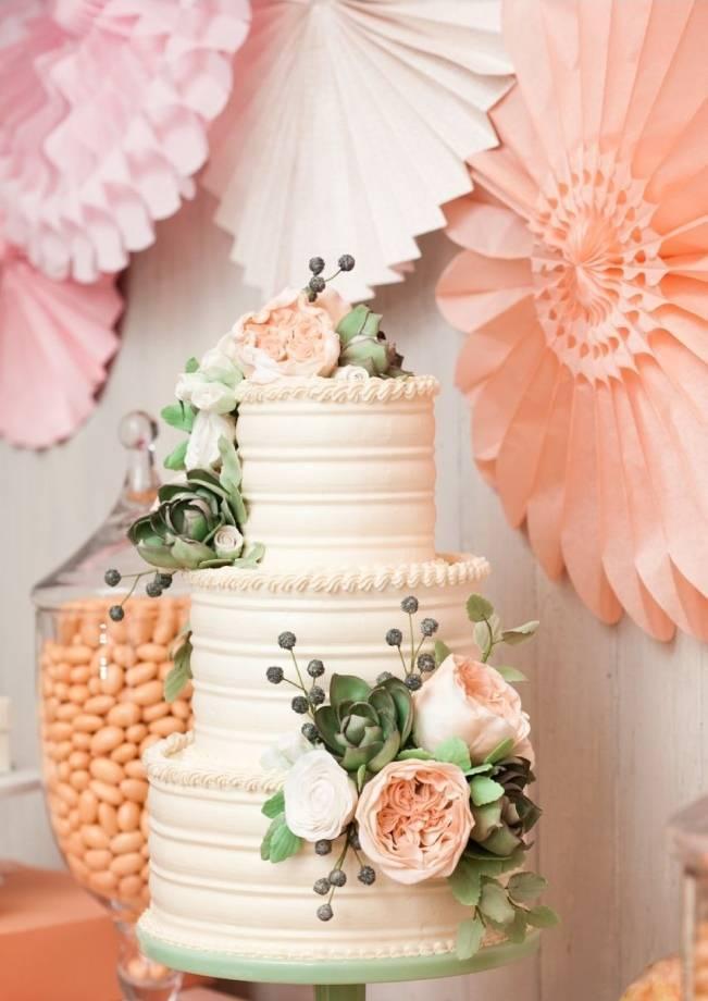 13 Inspiring Sugar Flower Wedding Cakes 9