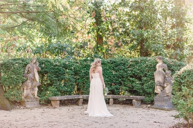 Bridal Inspiration Shoot at the Swan House {Rustic White Photography} 5