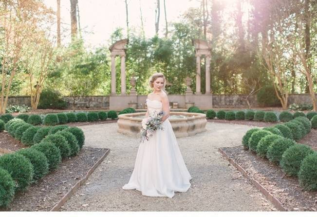 Bridal Inspiration Shoot at the Swan House {Rustic White Photography} 7