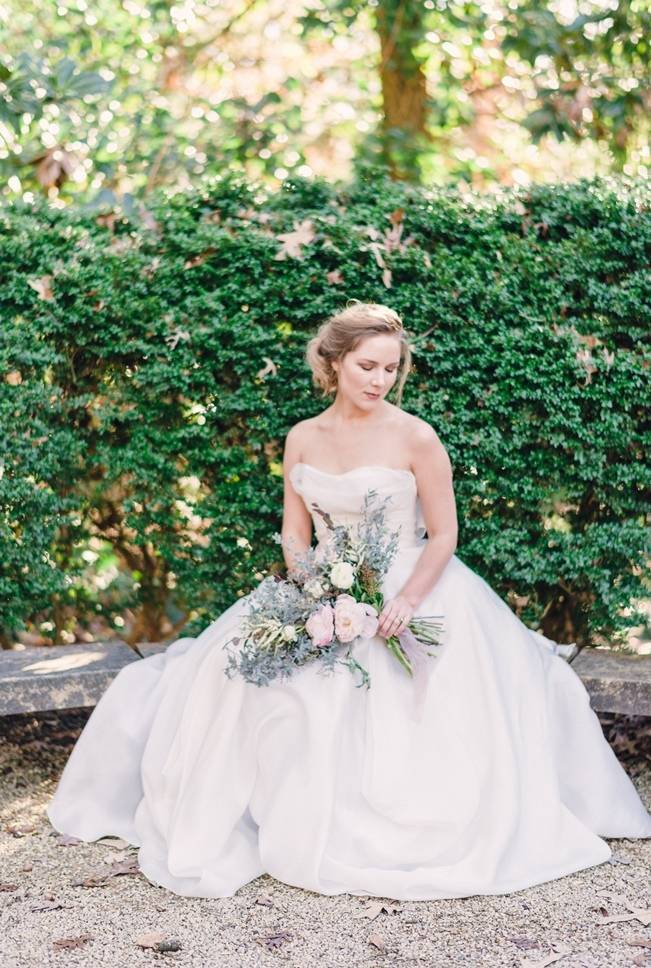 Bridal Inspiration Shoot at the Swan House {Rustic White Photography} 8