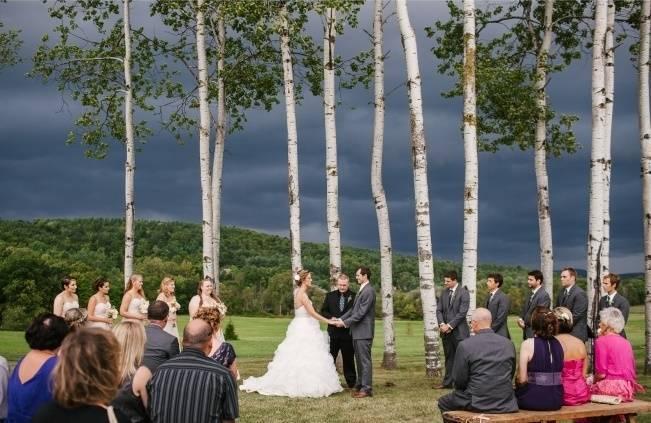 Rustic-Wedding-at-Historic-Nipmoose-Barns-Christina-Bernales-Photography - rainy ceremony