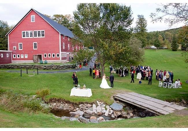 Vermont Country Chic Barn Wedding {Ember Photography} 18