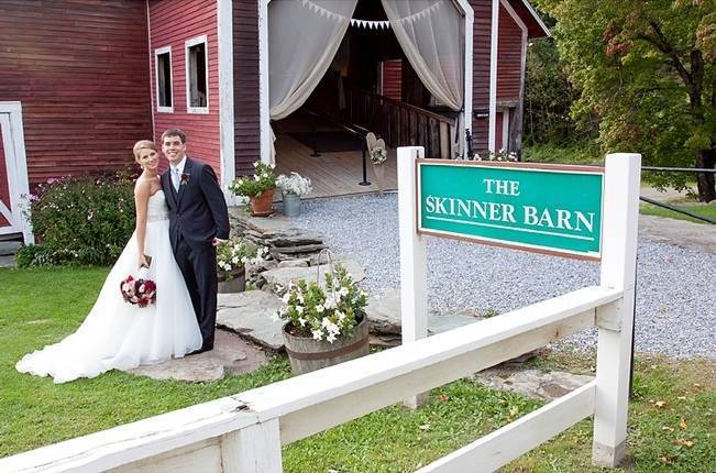 Vermont Country Chic Barn Wedding {Ember Photography} 19