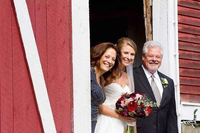 Vermont Country Chic Barn Wedding {Ember Photography} 8