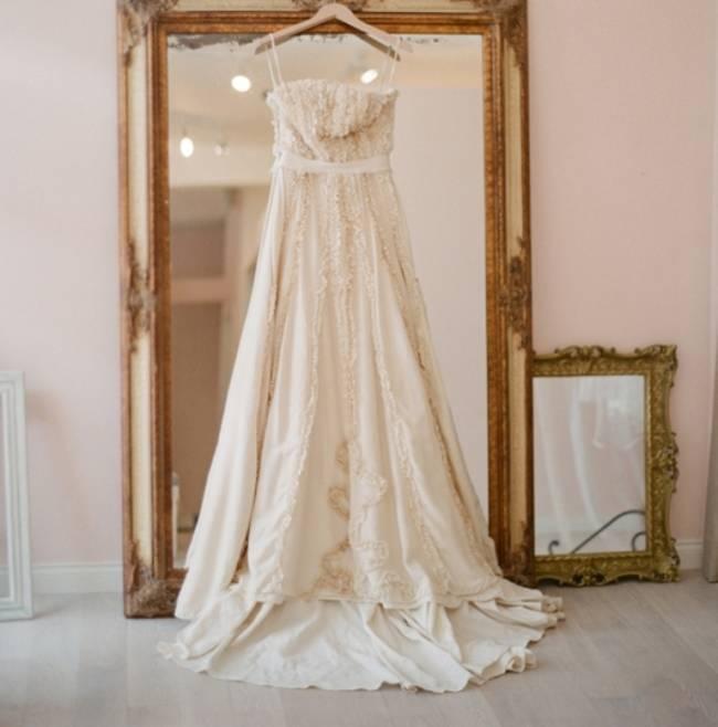 elizabethmessina_lovely bridal shop