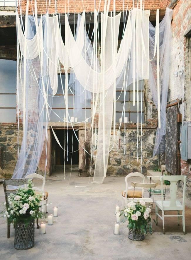 16 Rustic Ceremony Backdrop Ideas 7