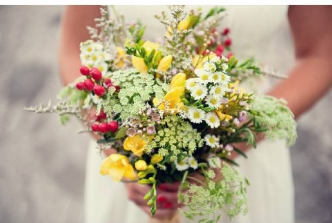 Beautiful Wildflower Wedding Bouquet Ideas 2