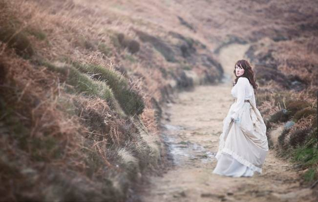 Wuthering Heights Inspired Shoot {Wooden Hill Images} 10
