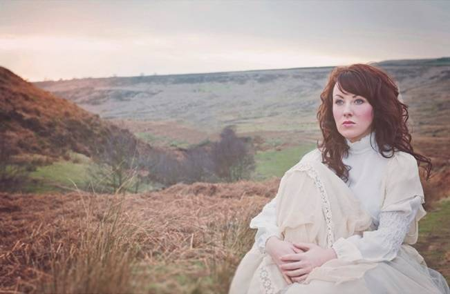 Wuthering Heights Inspired Shoot {Wooden Hill Images} 16