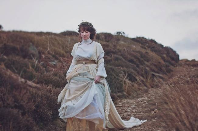 Wuthering Heights Inspired Shoot {Wooden Hill Images} 8