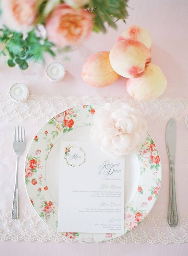 17 Naturally Pretty Place Settings 1