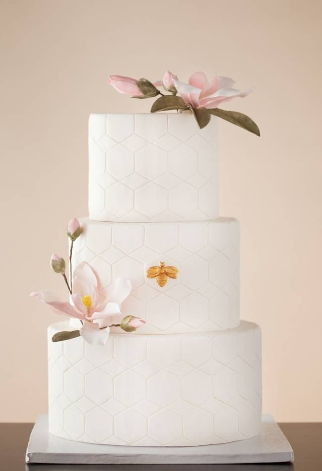 Gorgeous Spring Wedding Cake Inspiration 3