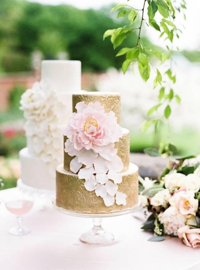 Gorgeous Spring Wedding Cake Inspiration 5