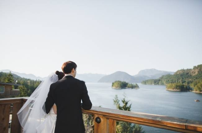 British Columbia Wilderness Lodge Wedding {Modern Romance Productions} 17