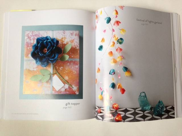 Book Review: The Exquisite Book of Paper Flowers