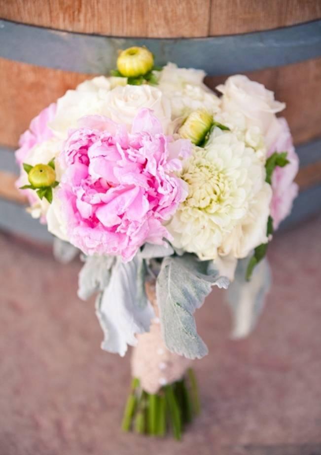 Rustic DIY Vineyard Wedding {Lisa Ormsby Photography} 5