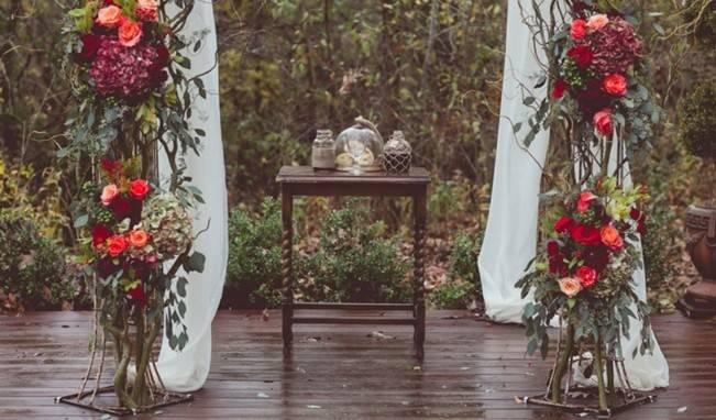 Red Autumn Rustic Wedding {Amy Zumwalt Photographers} 14