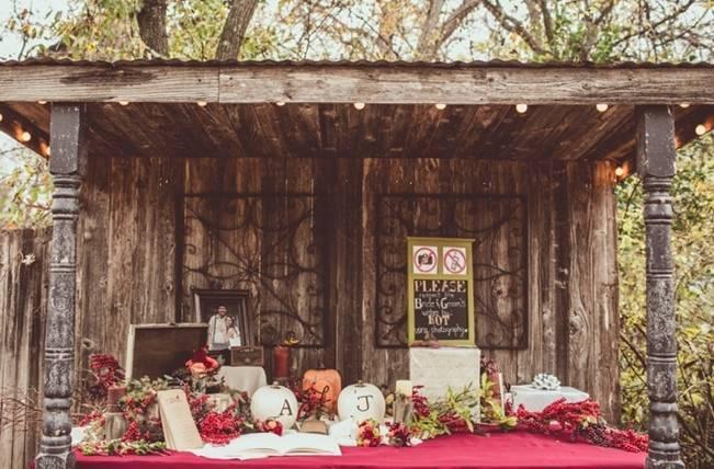 Red Autumn Rustic Wedding {Amy Zumwalt Photographers} 22