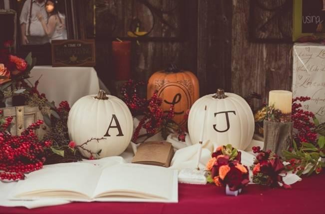 Red Autumn Rustic Wedding {Amy Zumwalt Photographers} 27