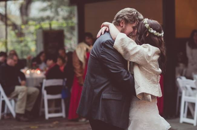 Red Autumn Rustic Wedding {Amy Zumwalt Photographers} 31