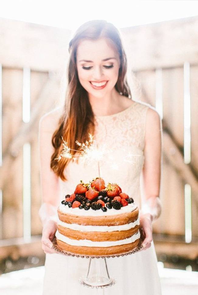 Berry Wedding Cake Ideas 10