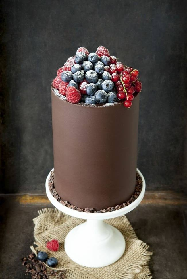 Berry Wedding Cake Ideas 8