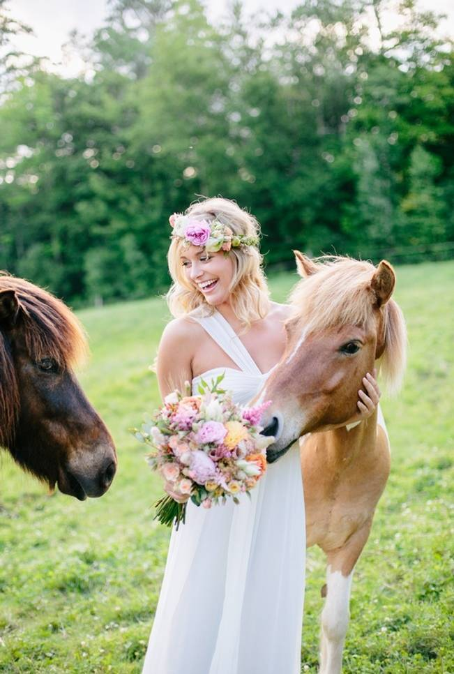 Romantic Country Wedding Style in Vermont {The Light + Color}
