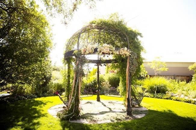Utah Backyard Garden Wedding {Pepper Nix Photography} 12