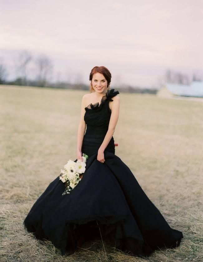 Alternative Autumn Wedding Dresses - Brides in Black 4