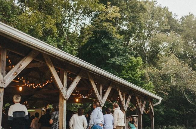 Backyard DIY Kentucky Wedding {Cassie Lopez Photography} 19