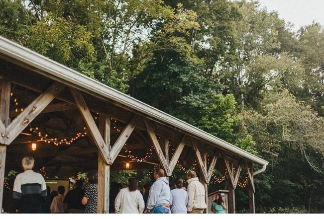 Backyard DIY Kentucky Wedding {Cassie Lopez Photography} 19