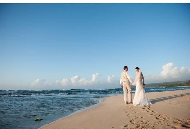 Pastel Oahu Destination Wedding {Rachel Robertson Photography} 21
