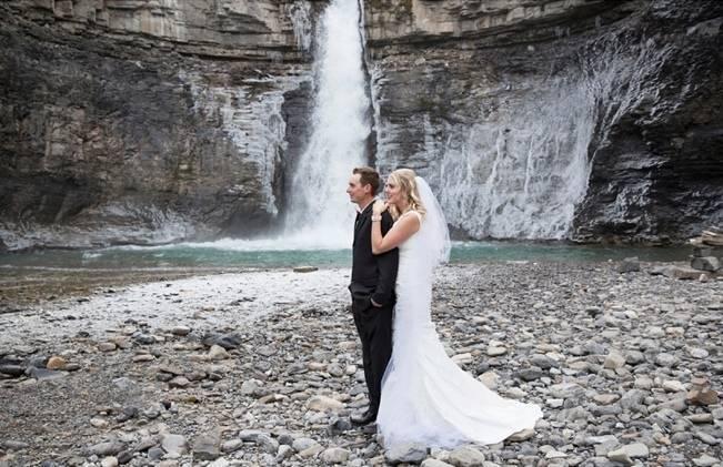 Rustic Merlot and Blush Rocky Mountain Wedding Inspiration 12