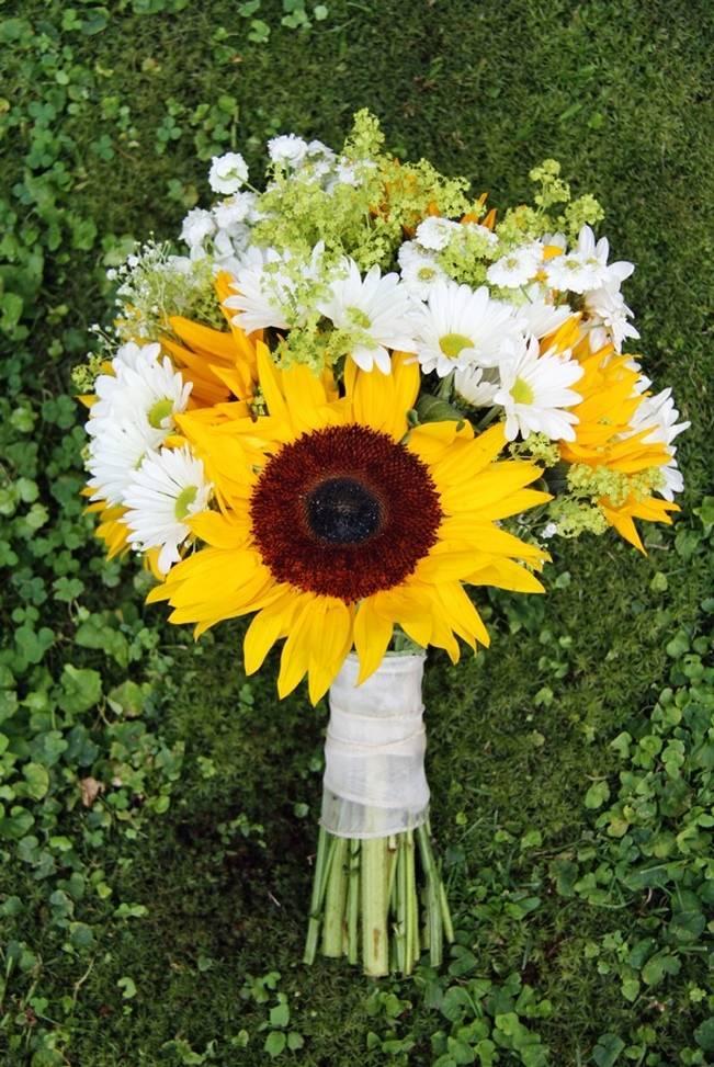 Vermont Rustic Chic Sunflower Wedding {Floor Three Photography} 1