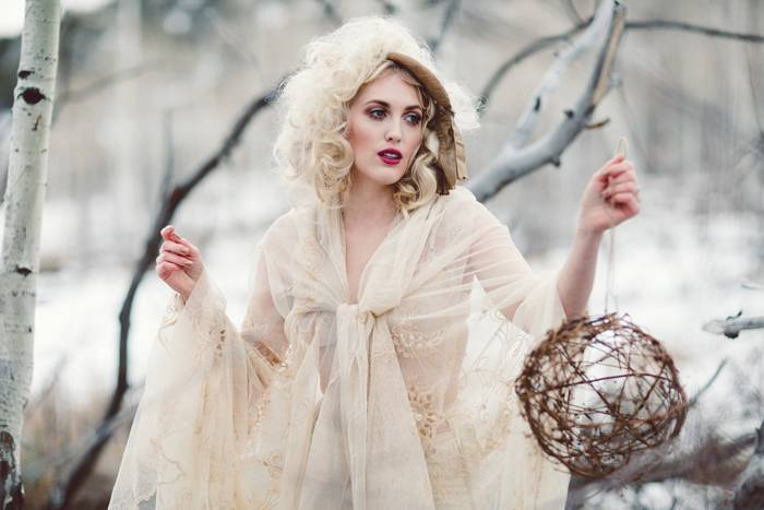 Nature Meets Vintage Bridal Inspiration