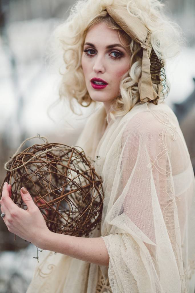 Nature Meets Vintage Bridal Inspiration – Lacy Dresses Vintage Co + Whynaught Shop 11