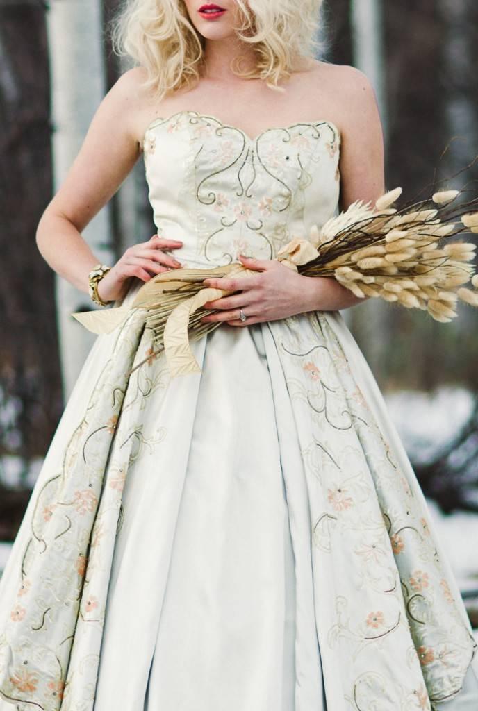 Nature Meets Vintage Bridal Inspiration – Lacy Dresses Vintage Co + Whynaught Shop 13