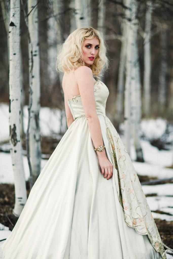 Nature Meets Vintage Bridal Inspiration – Lacy Dresses Vintage Co + Whynaught Shop 15