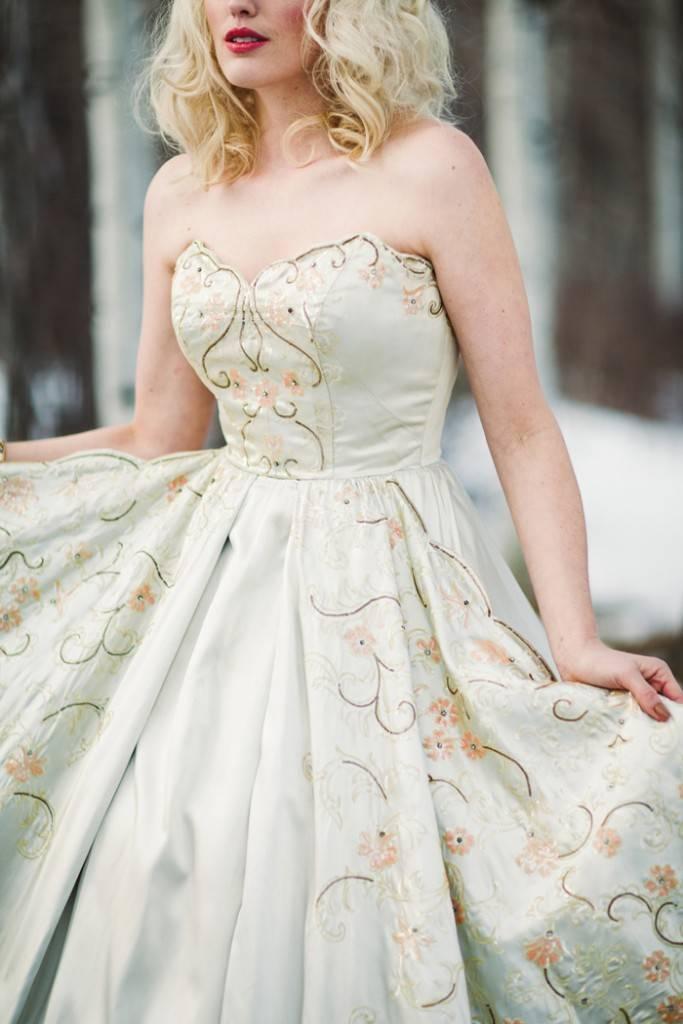 Nature Meets Vintage Bridal Inspiration – Lacy Dresses Vintage Co + Whynaught Shop 16