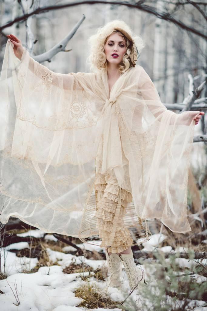 Nature Meets Vintage Bridal Inspiration – Lacy Dresses Vintage Co + Whynaught Shop 9