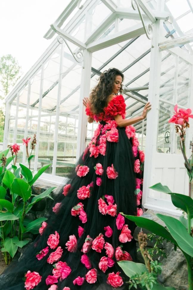 Bright Botanical Greenhouse Shoot {Newbury Photographs} 15