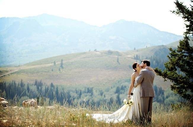 Green + Ivory Mountain Wedding at Deer Valley Resort 1