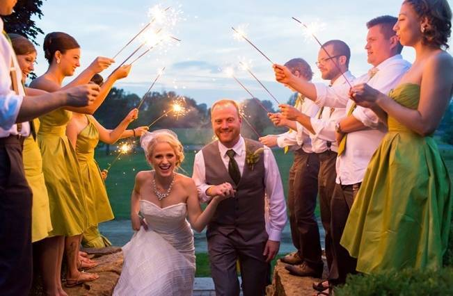 Hops Themed Wisconsin Farm Wedding {Studio Jada Photography} 26