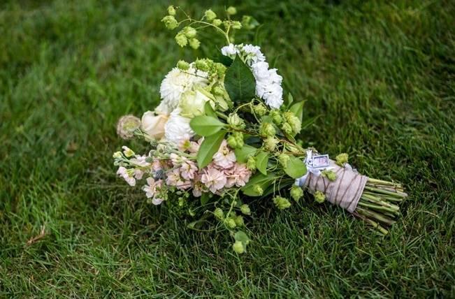 Hops Themed Wisconsin Farm Wedding {Studio Jada Photography} 6