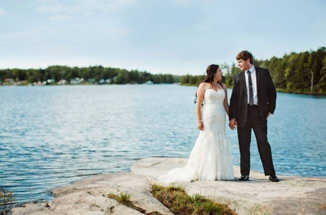 Mint Backyard wedding in Northern Ontario {Caroline Ross Photography} 16