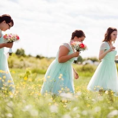 Mint Backyard wedding in Ontario {Caroline Ross Photography}
