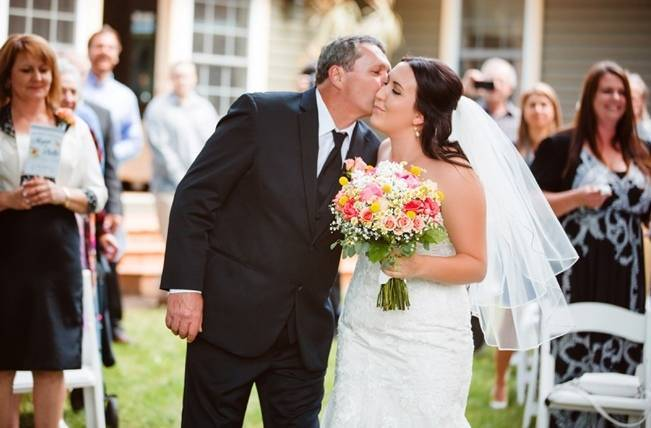 Mint Backyard wedding in Northern Ontario {Caroline Ross Photography} 9