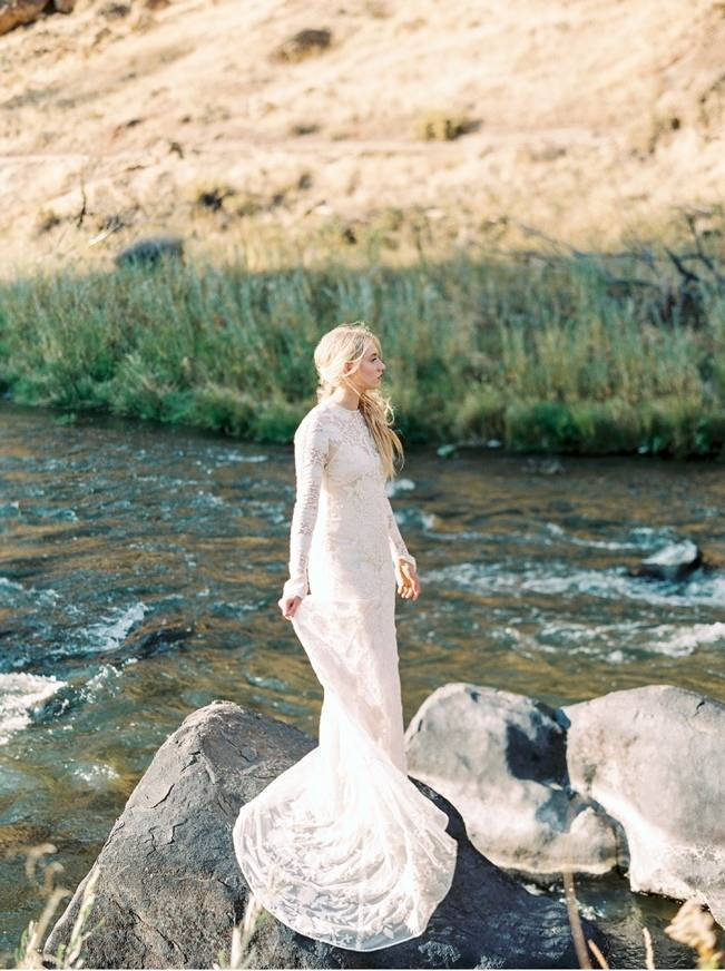 River Bridal Inspiration from Bend, Oregon {Connie Whitlock} 3