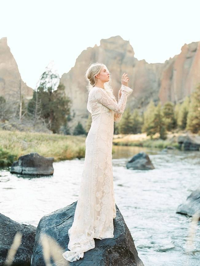 River Bridal Inspiration from Bend, Oregon {Connie Whitlock} 5