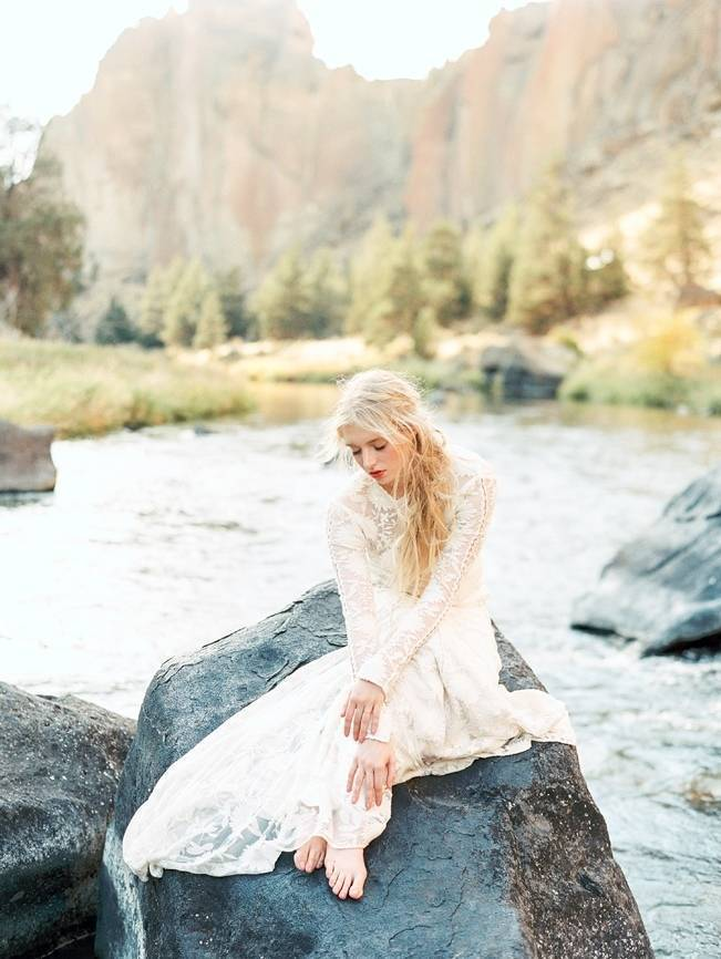 River Bridal Inspiration from Bend, Oregon {Connie Whitlock} 8